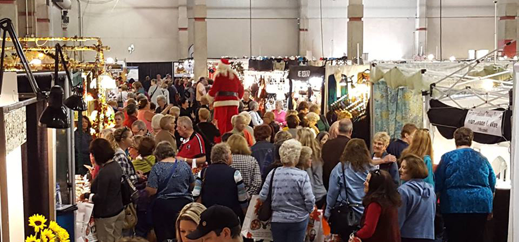 Enjoy three full days of shopping, food and entertainment at the Harvest Festival Original Art & Craft Show