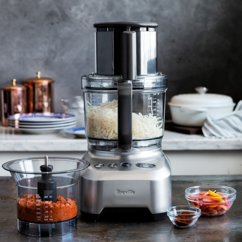 The Breville BFP800XL Sous Chef features a 5.5-inch super-wide chute