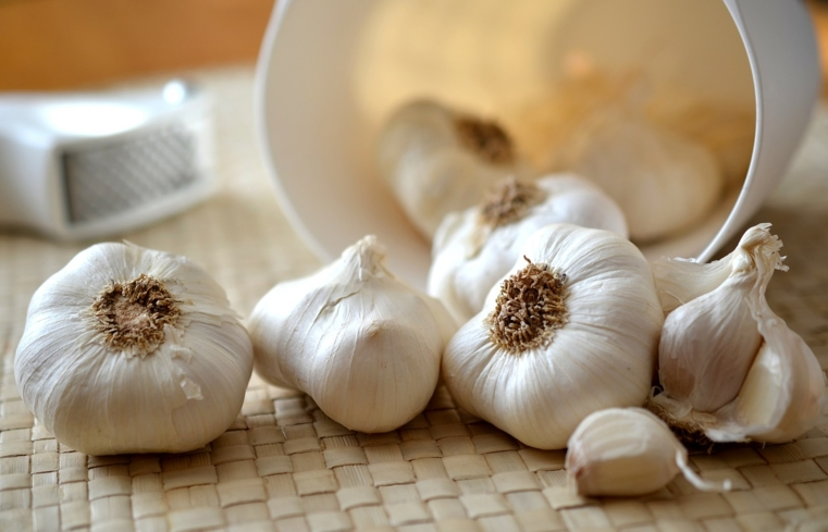 Garlic lowers blood pressure as well as reduces the risk of getting bacterial and inflammatory illnesses