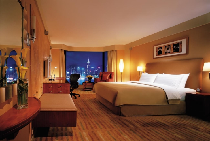 The Horizon Harbour View Room at Kowloon Shangri-La