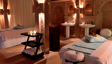 A couples treatment at the RAAS Jodhpur Spa