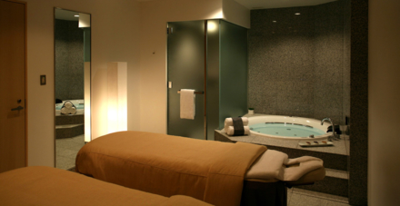The Riraku Spa Suite