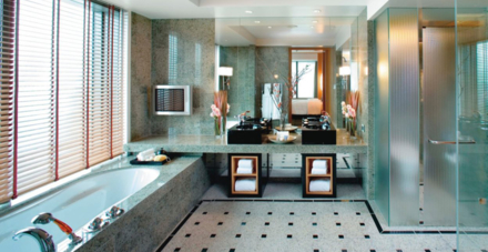 The Oriental Suite bathroom