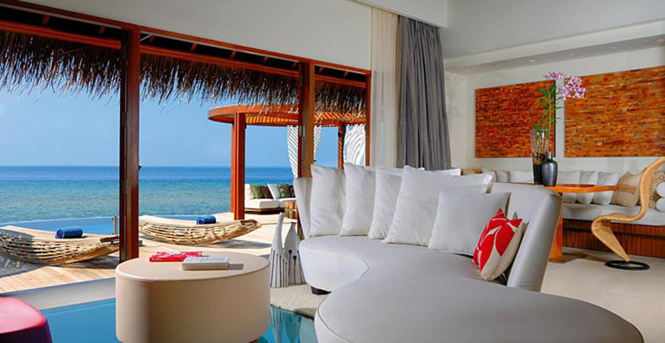 The Wow Ocean Escape living room