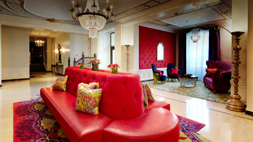 The red-hued lobby at the Scarlet Huntington