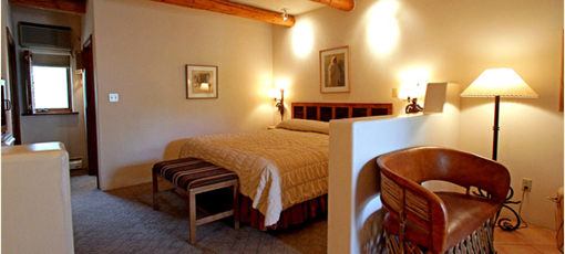 A guest room at El Rey Inn in Santa Fe, New Mexico.