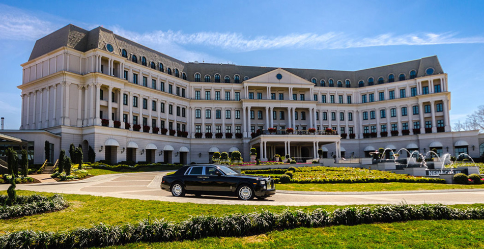 The entrance of Nemacolin Woodlands Resort & Spa in Farmington, PA