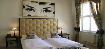 A guest room at Arte Luise Kunsthotel