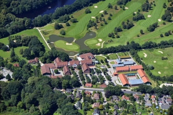 An aerial view of Steigenberger Hotel Treudelberg
