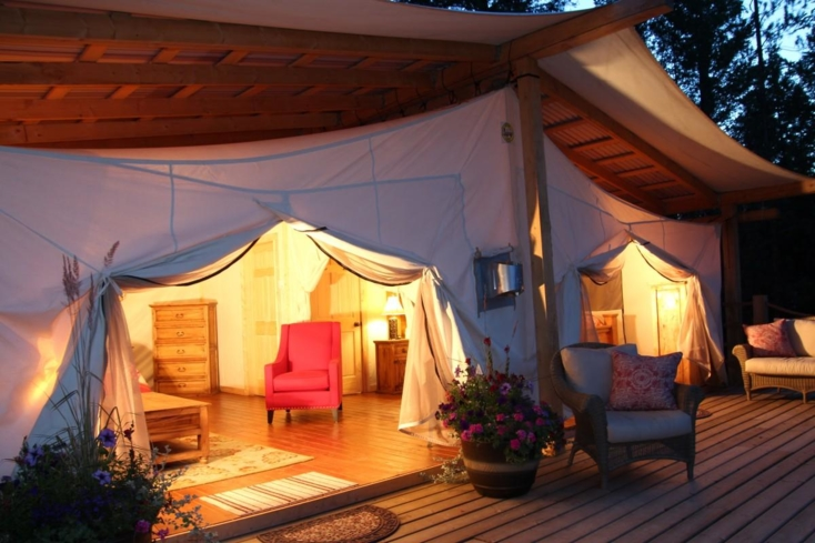 The tents at the Siwash Lake Ranch hotel in Vancouver.