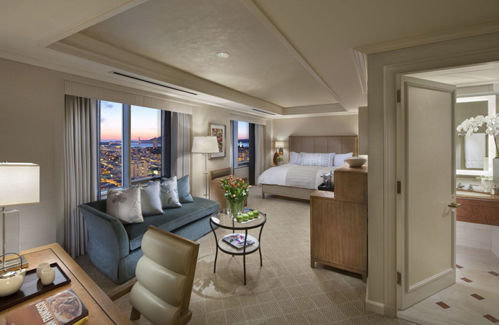 Loews Regency's Deluxe Bay View King Room