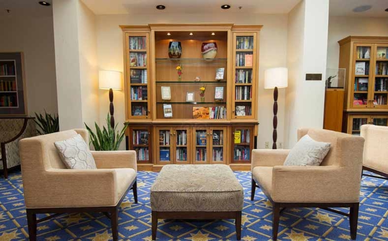 The beloved library at the Heathman Hotel in Portland, Oregon