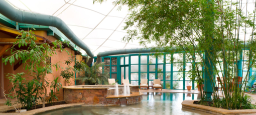 Pool and hot tub at El Monte Sagrado Living Resort & Spa
