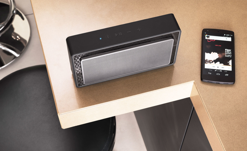 The smallest Bowers & Wilkins portable speaker, the T7 has powerful twin bass radiators
