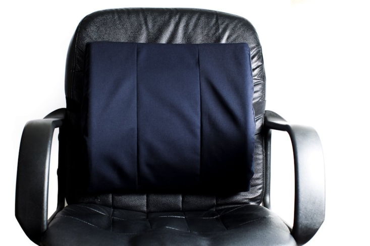 The Thalway Lumbar Support Pillow relieves lower back pain while sitting