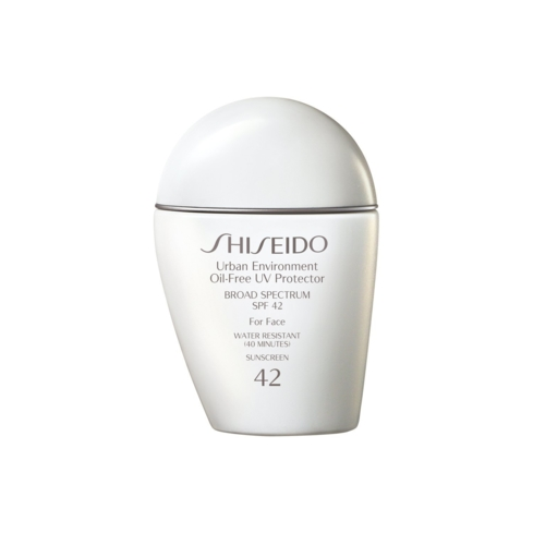 Shiseido Urban Environment Oil-Free UV Protector leaves a matte finish, perfect for oily skin
