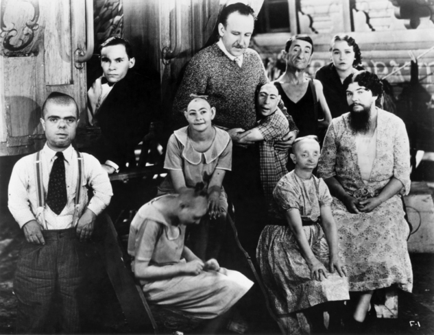 The cast of Freaks, one of GAYOT's Top 10 Cult Films