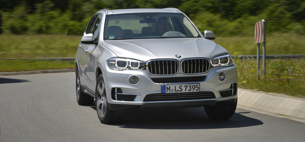 The 2016 BMW X5 eDrive 40e, GAYOT's Car of the Month for July 2016