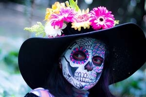 Find out how to bring Day of the Dead elements to your own home