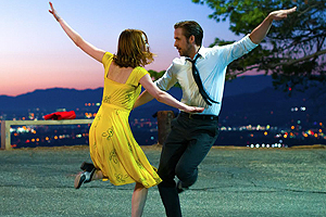Emma Stone and Ryan Gosling in La La Land, one of GAYOT's Top 10 Movies of 2016