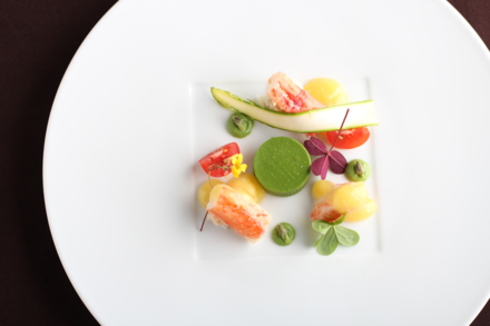 Mélisse: Alaskan king crab asparagus, passion fruit-rosemary reduction