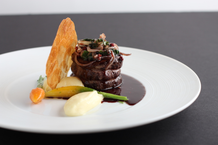 Mélisse: filet of beef, garlic potato purée, wine shallot sauce