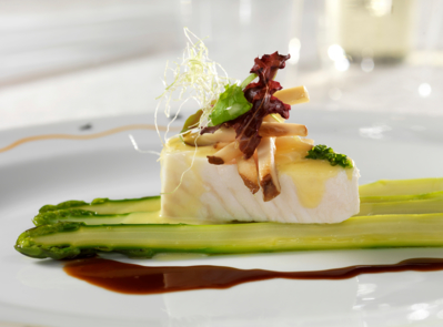 Picasso: Filet of Halibut, Green Asparagus and Sauce Hollandaise