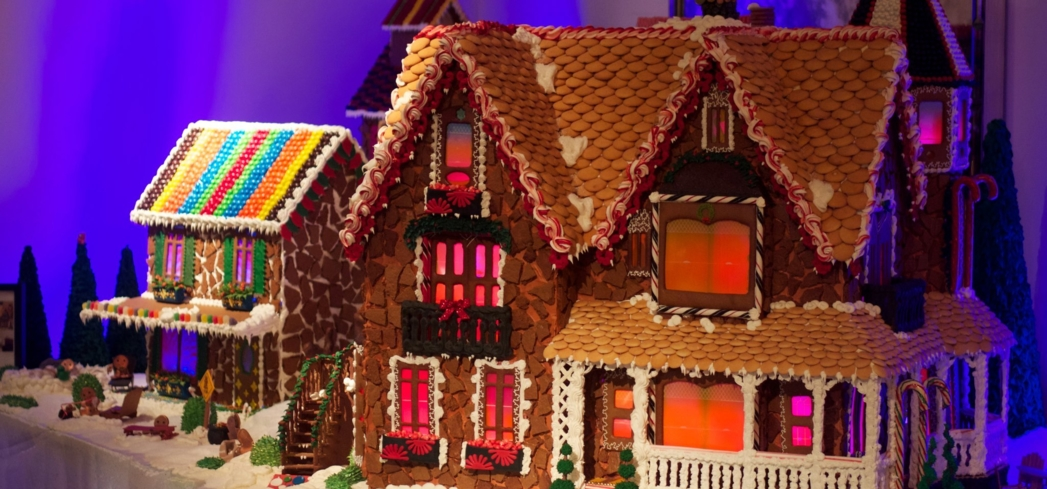 Gingerbread houses at Rosewood Sand Hill, which is home to one of GAYOT's Best Christmas Restaurants in San Francisco / Bay Area