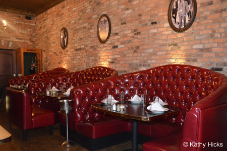 Dining room of Capo's Chicago Pizza & Fine Italian Dinners in San Francisco