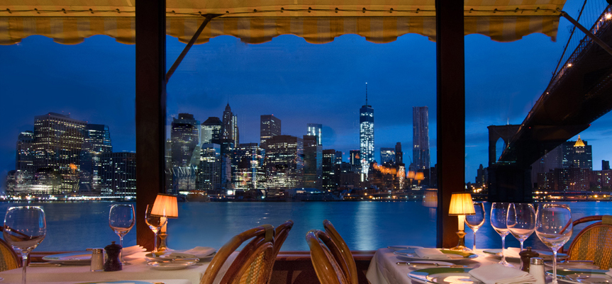 The River Cafe: Views of the Manhattan skyline and Brooklyn Bridge