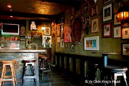 Interior of Ye Olde King's Head in Santa Monica, CA