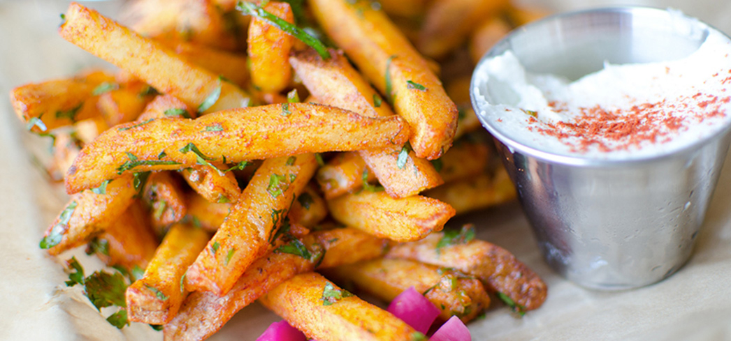 Sunnin Lebanese Cafe: Garlic fries
