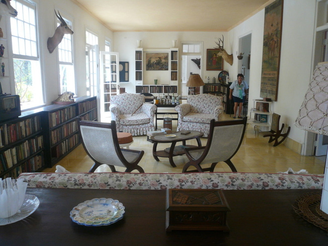 The living-room of the Finca Vigía
