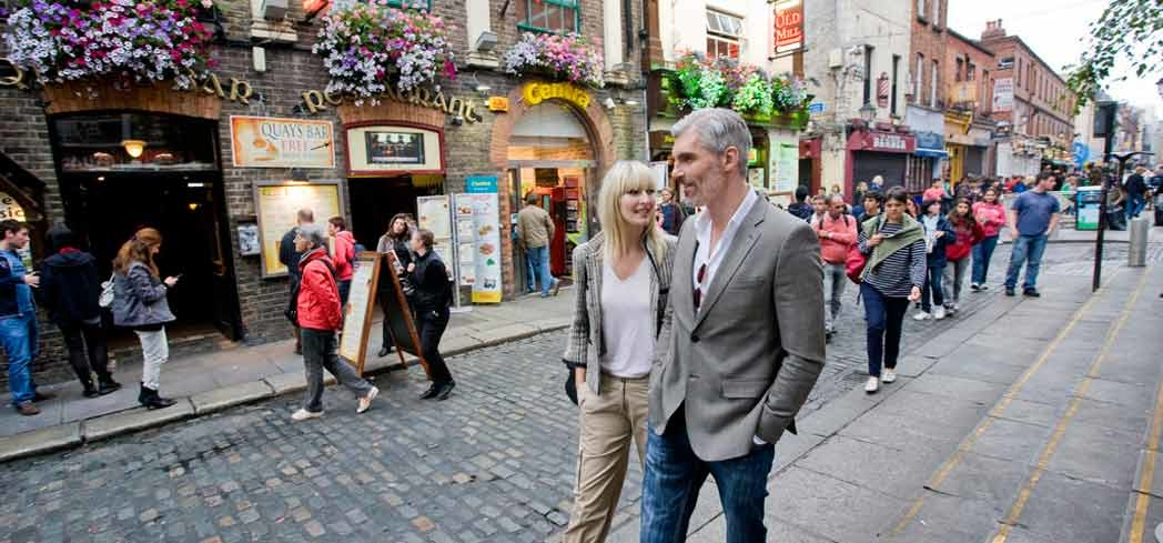 People fill the street of Temple Bar in Dublin