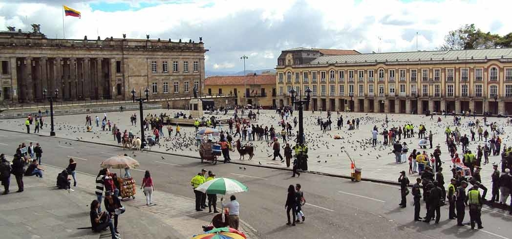 Visitors sprawled across Bolívar Square in Bogotá