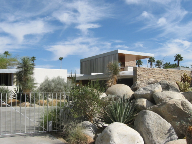 Discover unique architecture with Palm Springs Modern Tours