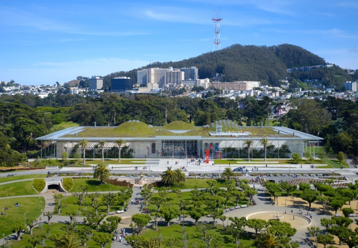 An exterior view of the California Academy of Sciences in San Francisco