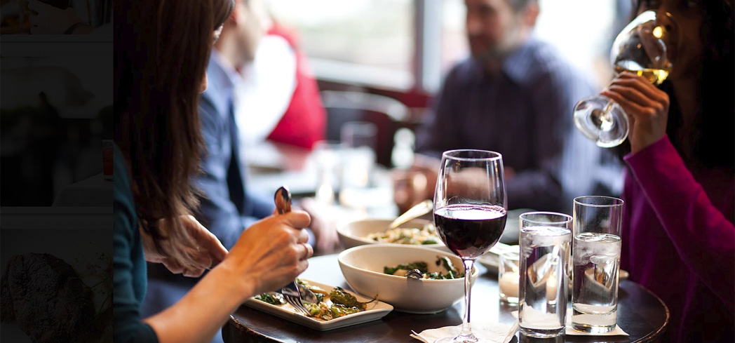 Find the best dining spots in Chicago with the help of GAYOT's reviews