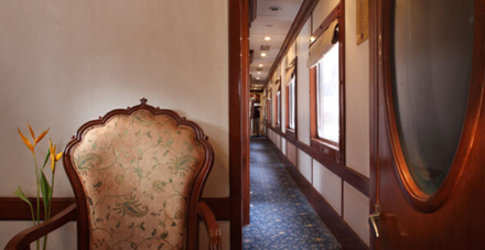 The lounge area on the Golden Chariot