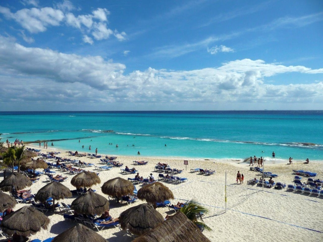 Go for a romantic stroll on the beach in the Riviera Maya