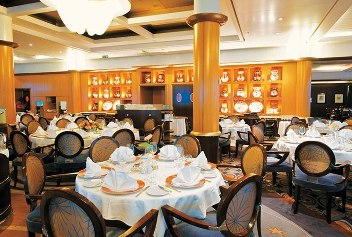 Enjoy the creations of chef Jean-Pierre Vigato at L'Etoile aboard Paul Gauguin Cruises