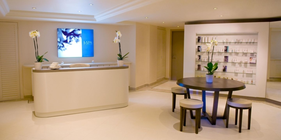 The reception area of I-Spa by Algotherm at the InterContinental Paris Le Grand