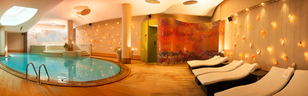 The indoor pool at Caudalie Vinothérapie Spa at Hotel Les Ottomans