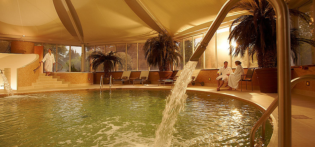 The indoor pool at Vineyard Spa