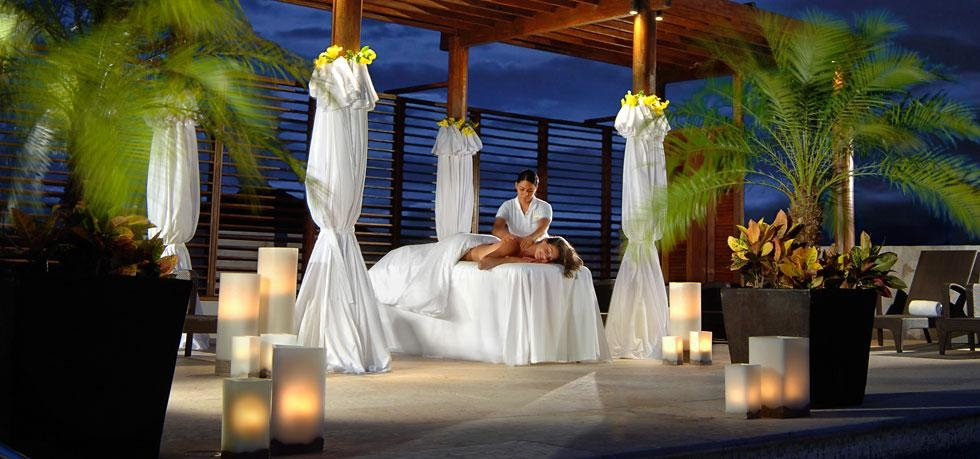 A treatment at Willow Streat Spa at Fairmont Mayakoba