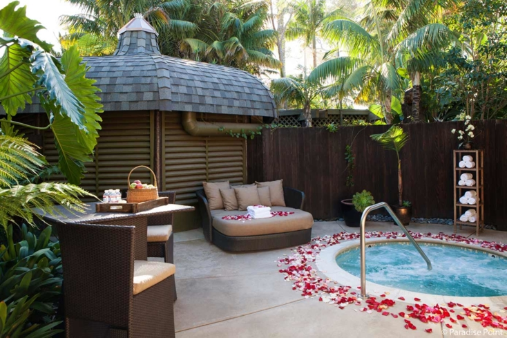 The Paradise Point spa courtyard