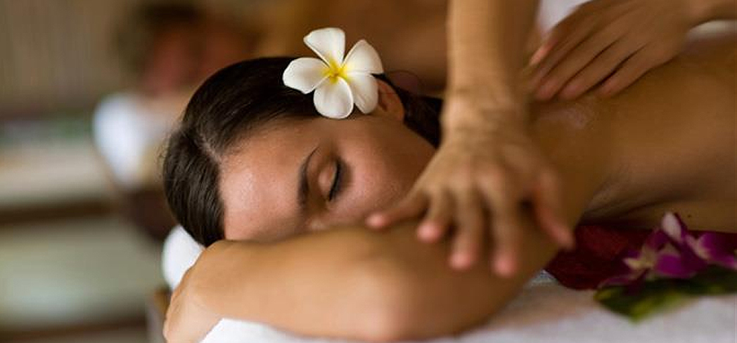 Enjoy a couples massage at The Raven Spa